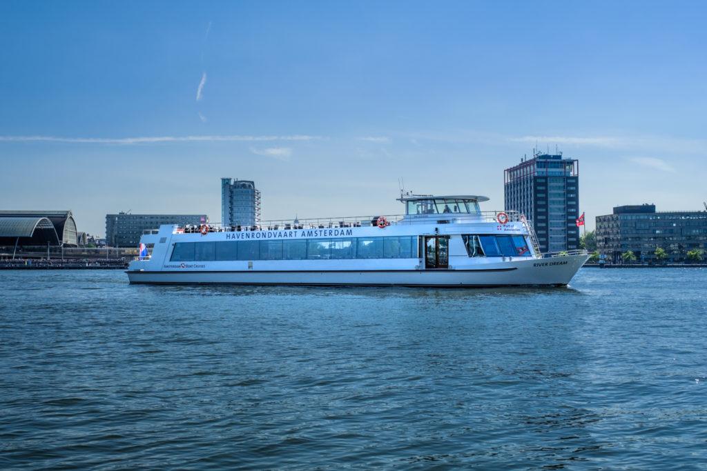 Havenrondvaart boot River Dream in haven van Amsterdam